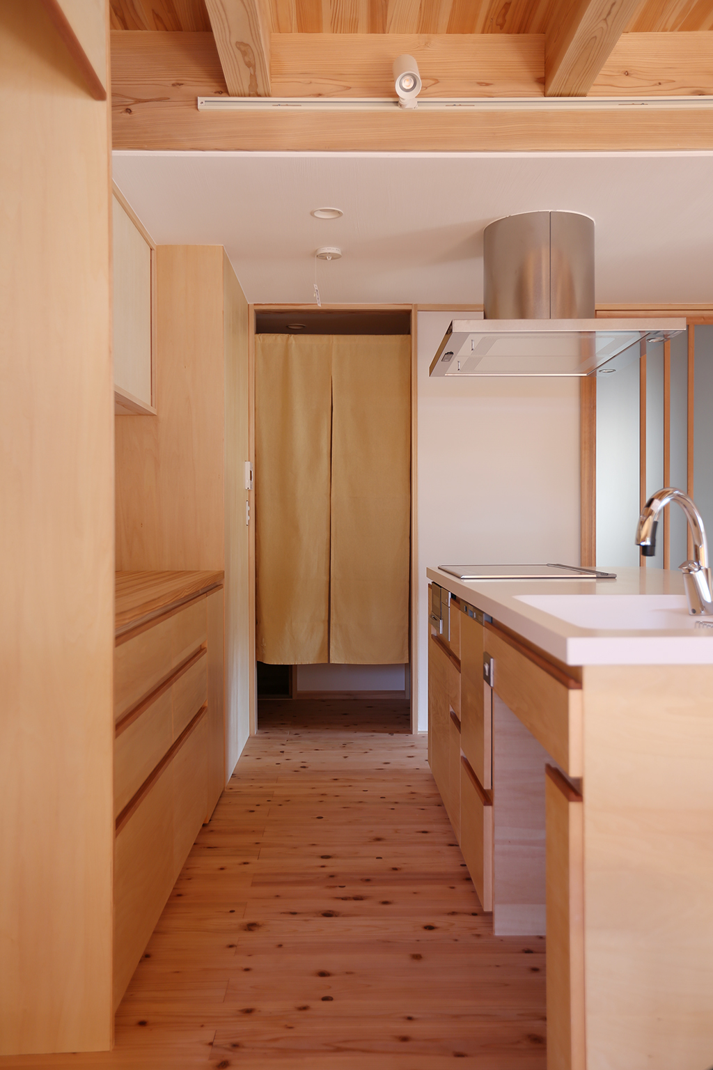 姫路市の木の家 オリジナルの造作アイランドキッチン