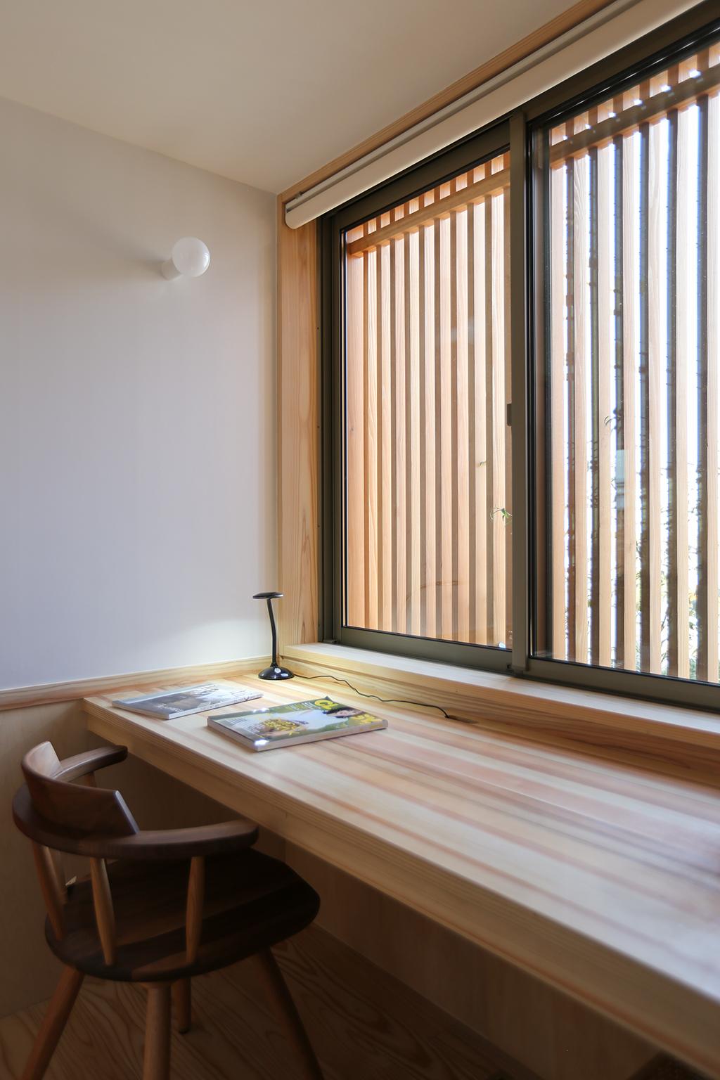 姫路市の木の家 キッチン脇の家事スペース