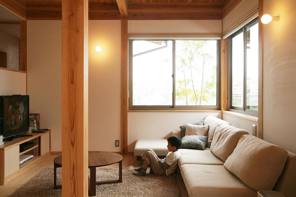 神戸市の木の家 おこもり感のあるリビング