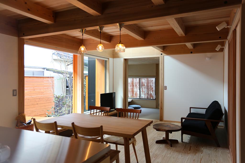 姫路市の木の家 LDK写真