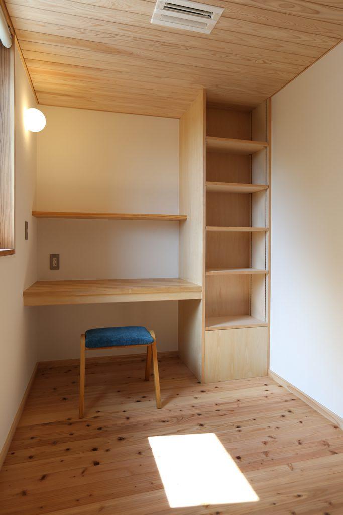 神戸市の木の家 書斎