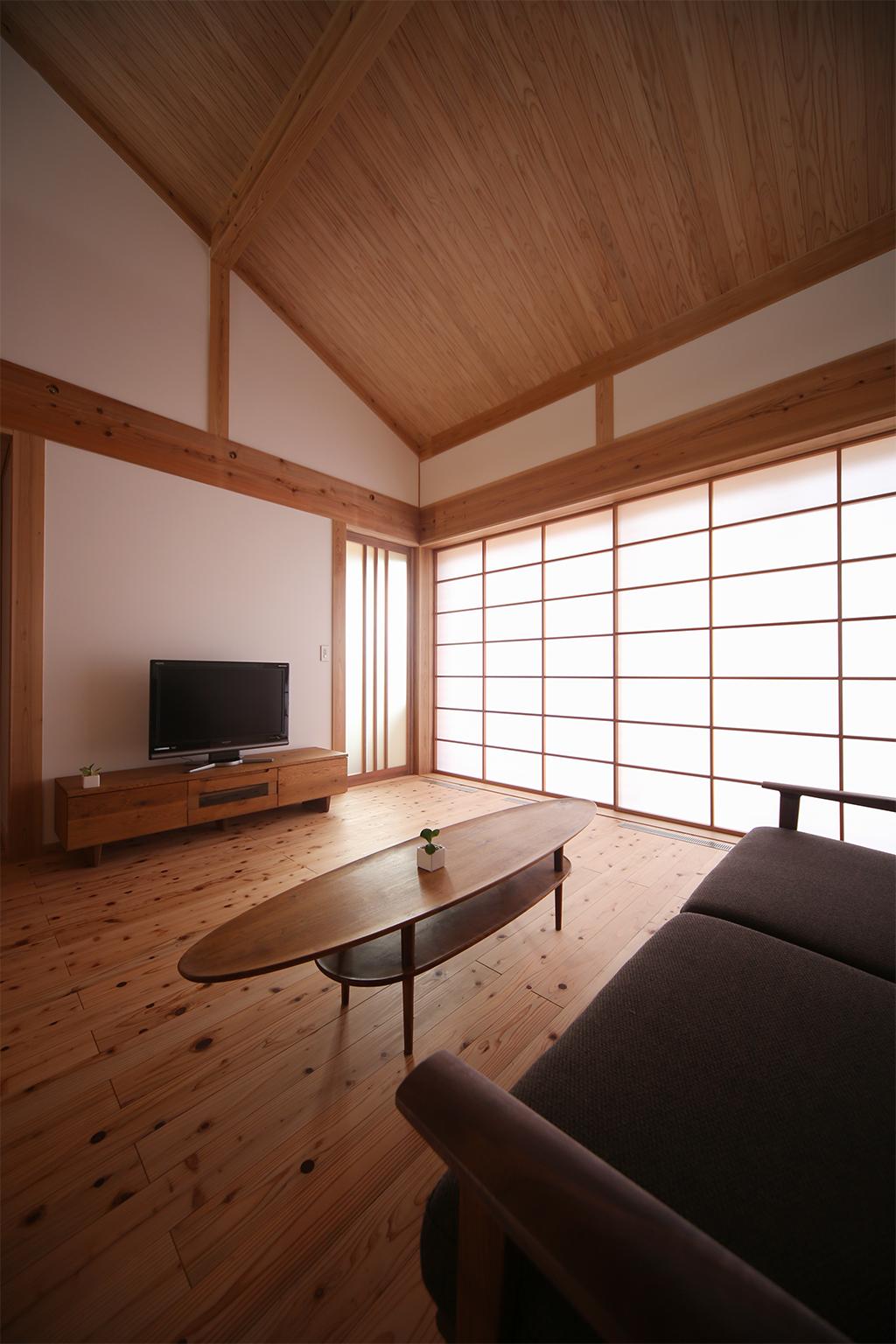 姫路市の木の家  障子を閉めて落ち着く空間