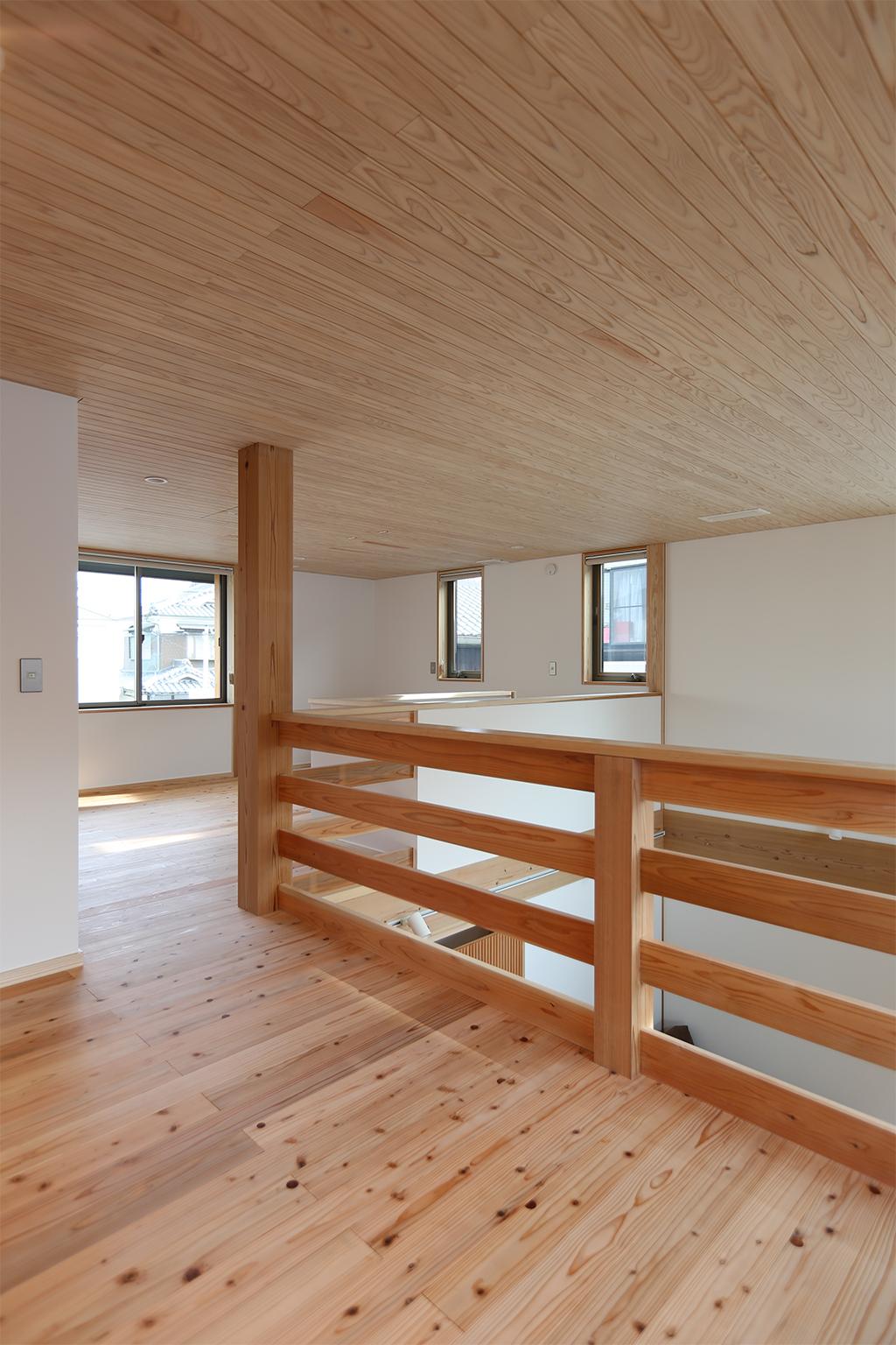 高砂市の木の家 2階のセカンドリビングとフリールーム