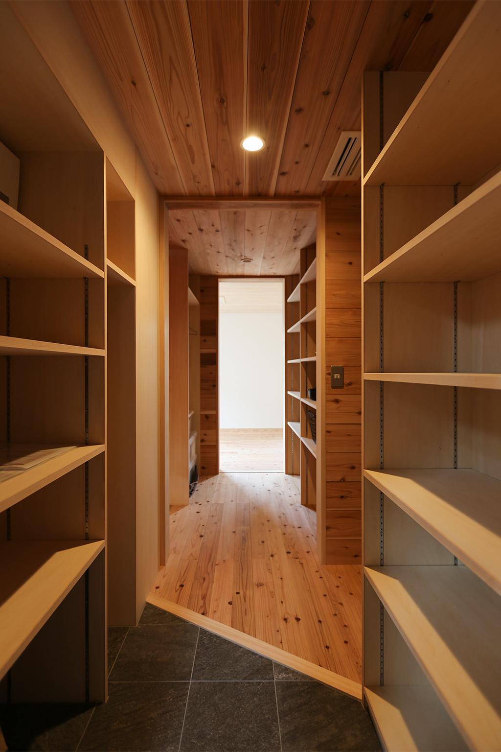 高砂市の木の家 大容量の収納