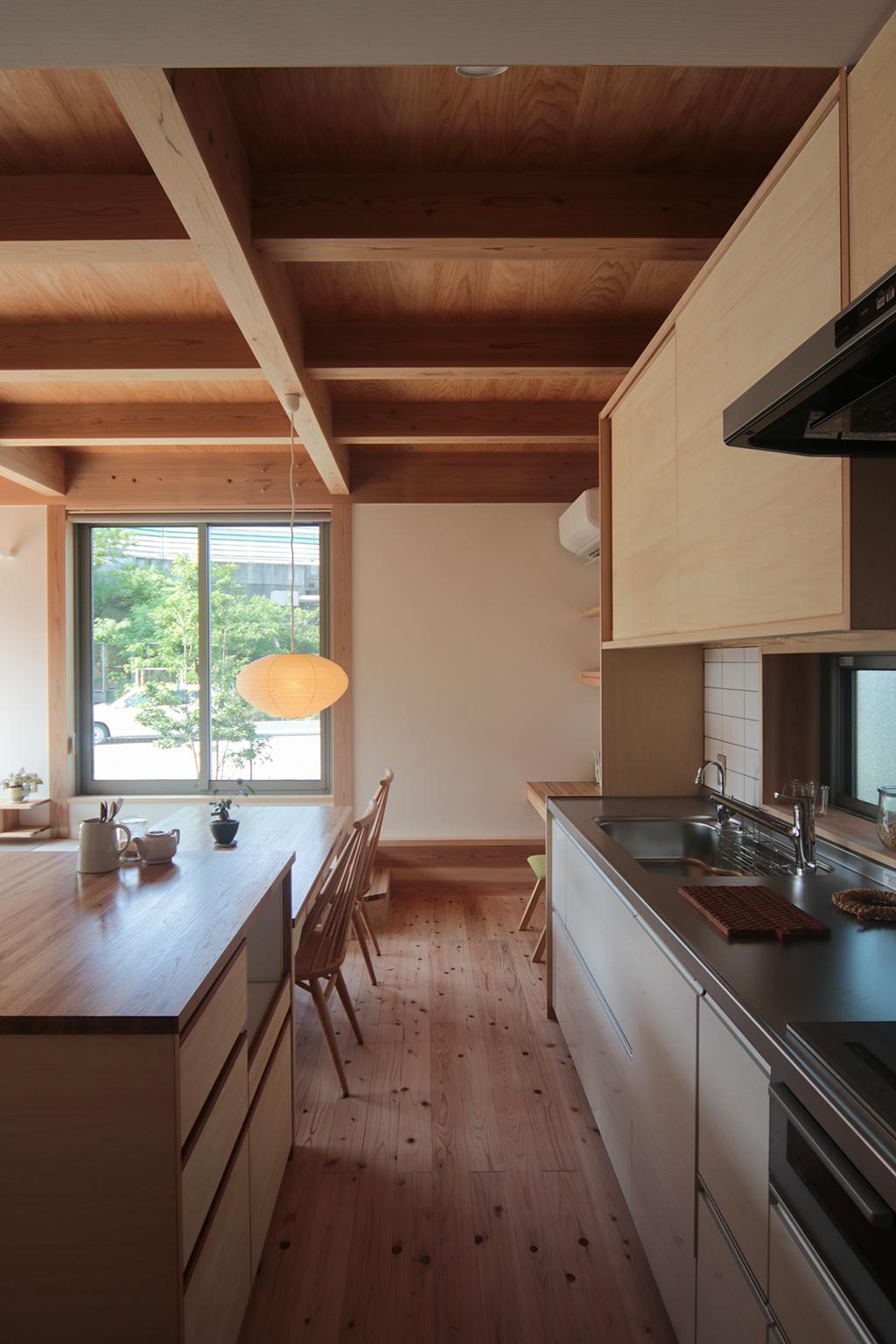 姫路市の木の家 スタディースペースのあるダイニングキッチン