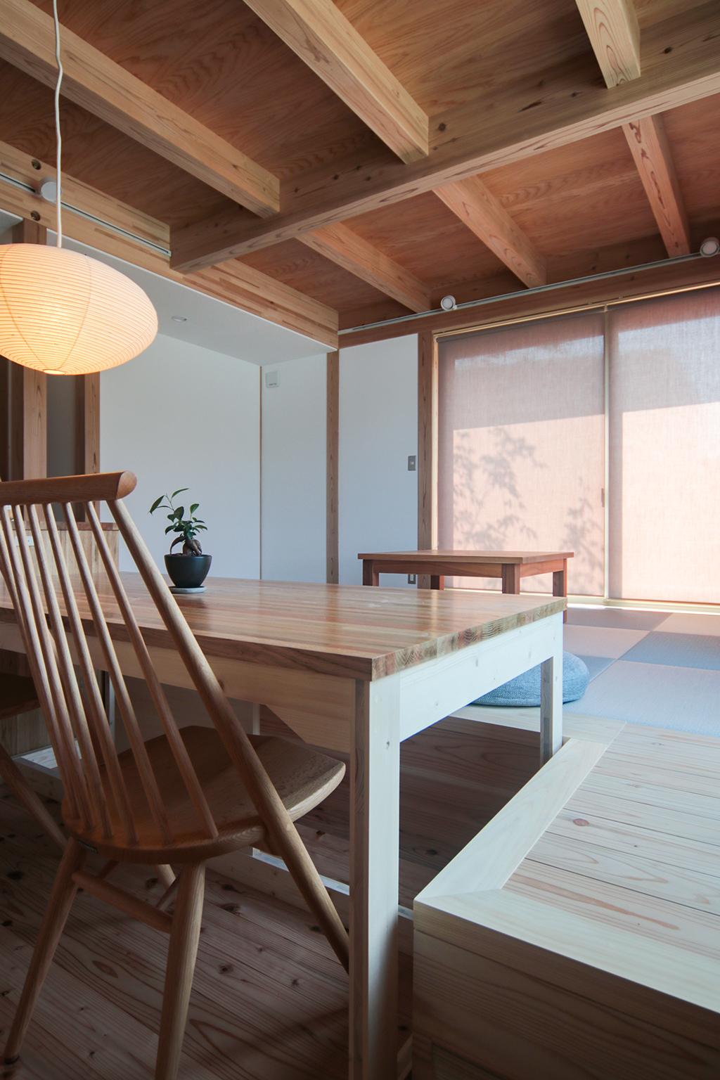 姫路市の木の家 1段下がったダイニング