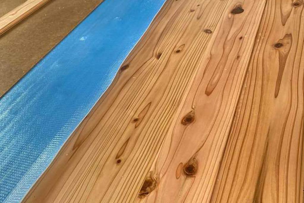 川辺郡の木の家 床板