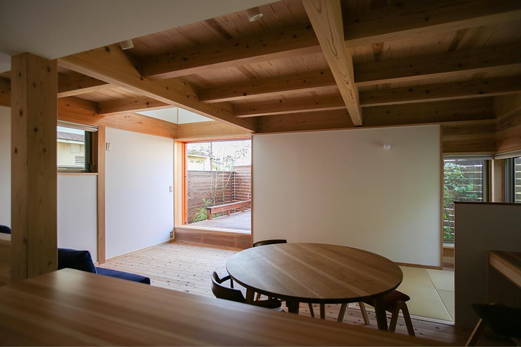 明石市の木の家 キッチンからの眺め