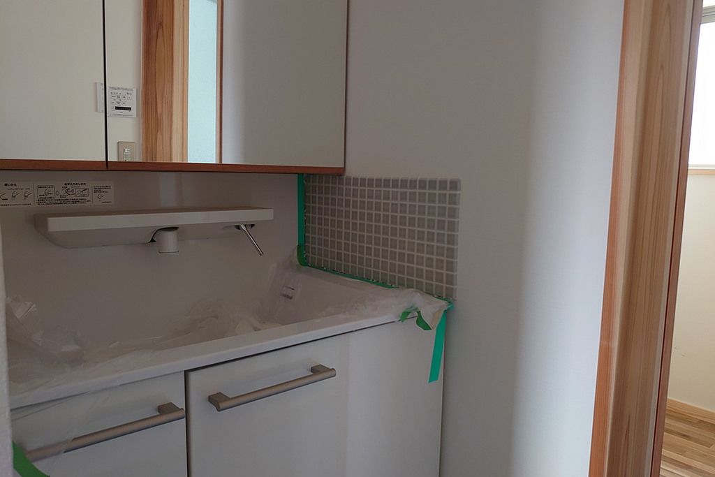 姫路市の木の家 洗面所タイル