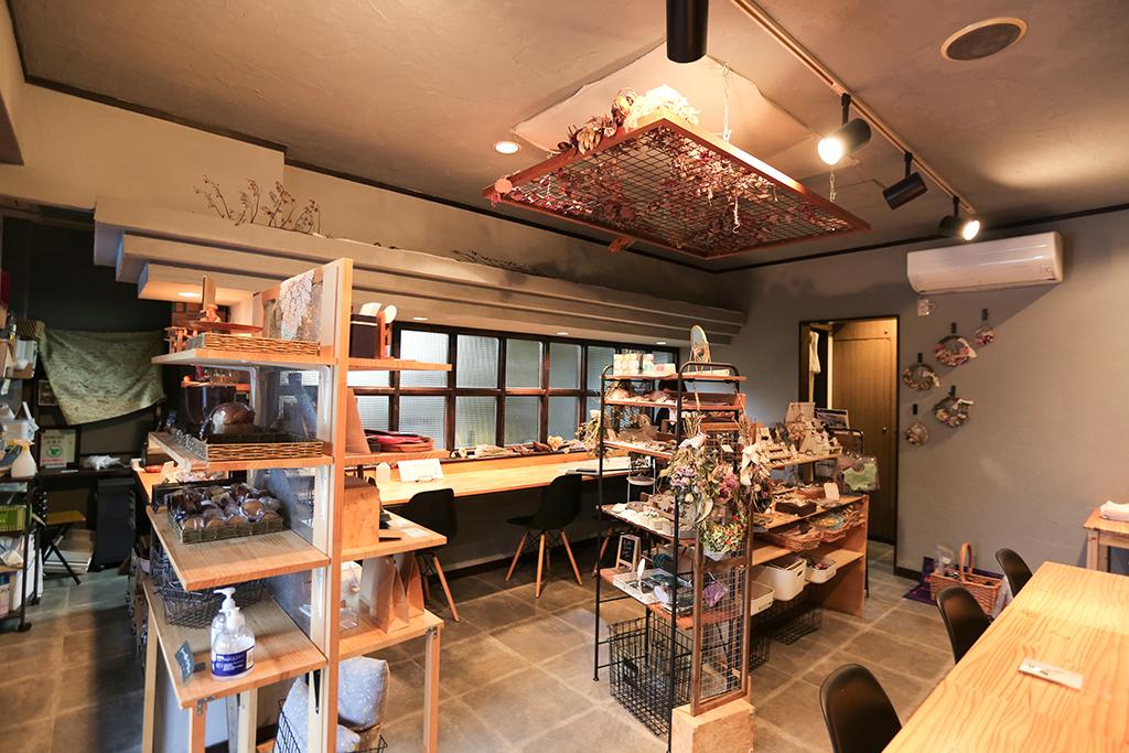 姫路市 シェアカフェスペース「cobatoto」内観