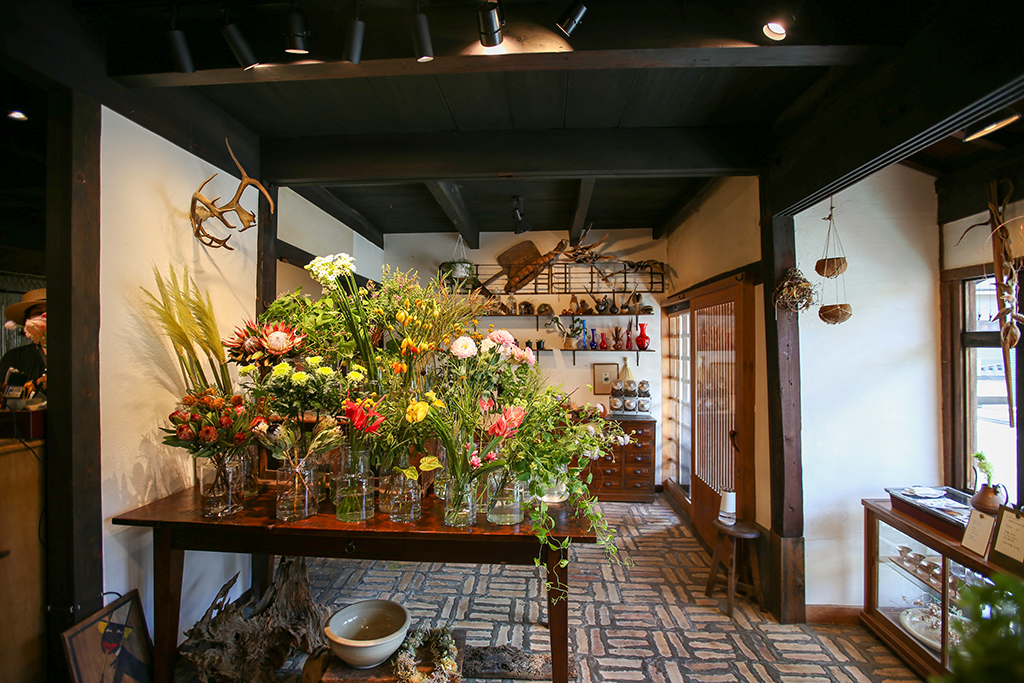 三木市の花屋ぼたん 内観