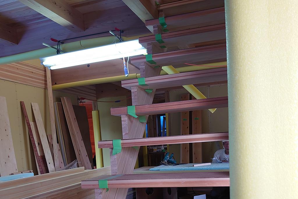 加古川市の木の家 大工工事階段